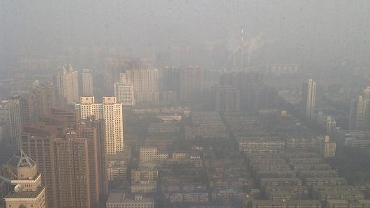 102195946-Beijing-smog_530x298